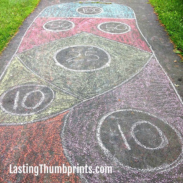 Sidewalk Chalk Family Fun - Lots of ideas to keep your family busy and having fun!